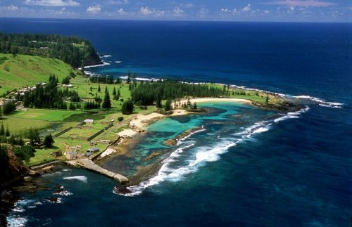 Norfolk Island Surfing
